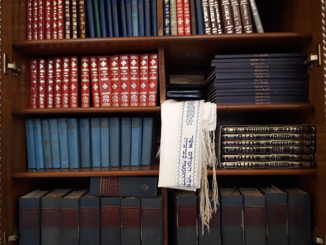 Prayer-books-2.jpg